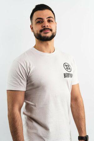 BERYWAM White T-Shirt with Black Logo 1 - Model: Beatness